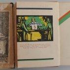 """Der Vorbesitzer des Savoy Cocktail Book enlarged Edition von 1933 (rechts) war der ehemalige """"Daily Sun"""" Inhaber Dustin Lucier (1922) - Heute GateHouse Media."""